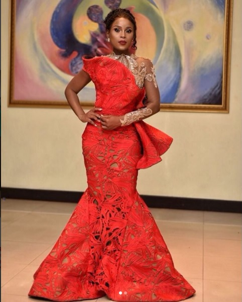 Gh celebrity pictures of red